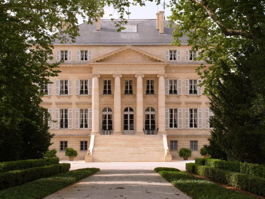 chateau-margaux-459568_1280