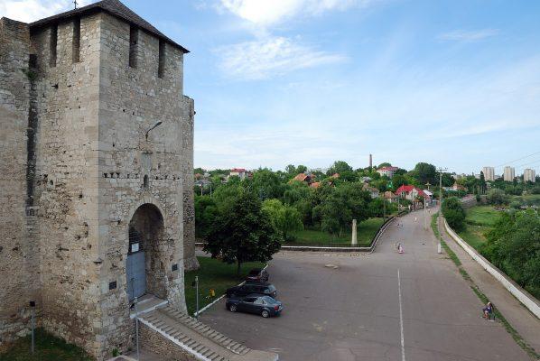 1920px-Cetatea_Soroca